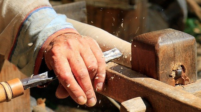 Lavoriamo il legno con passione